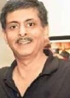 Dr. Navin Sakhuja - Ophthalmology
